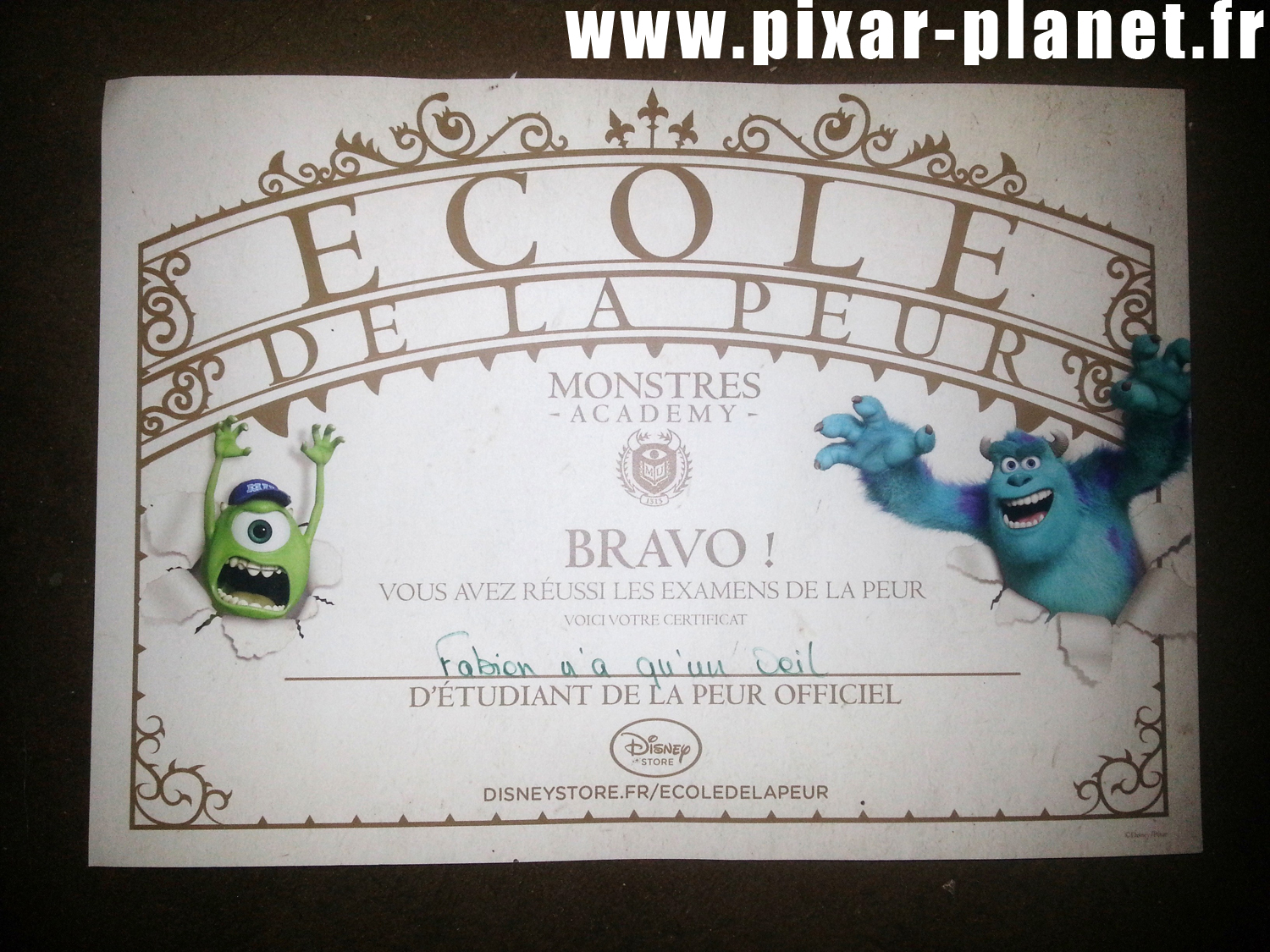 pixar disney store monstres academy monsters university