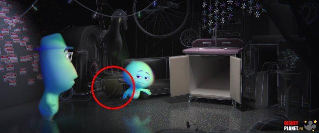 easter egg clin oeil ball ballon luxo pixar disney