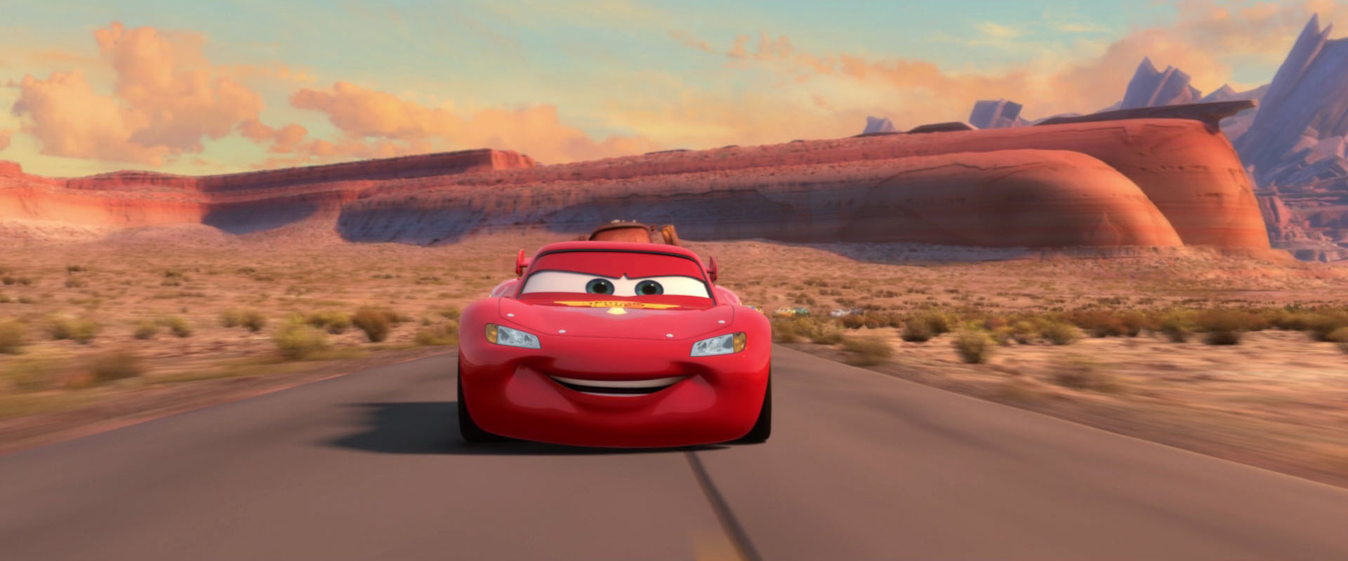 when they get back to radiator springs mcqueen organizes his own grand prix with all the racers to celebrate the end of the world grand prix - Mcqueen Flash Mcqueen