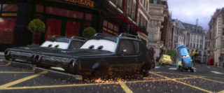 guido  personnage character pixar disney cars 2