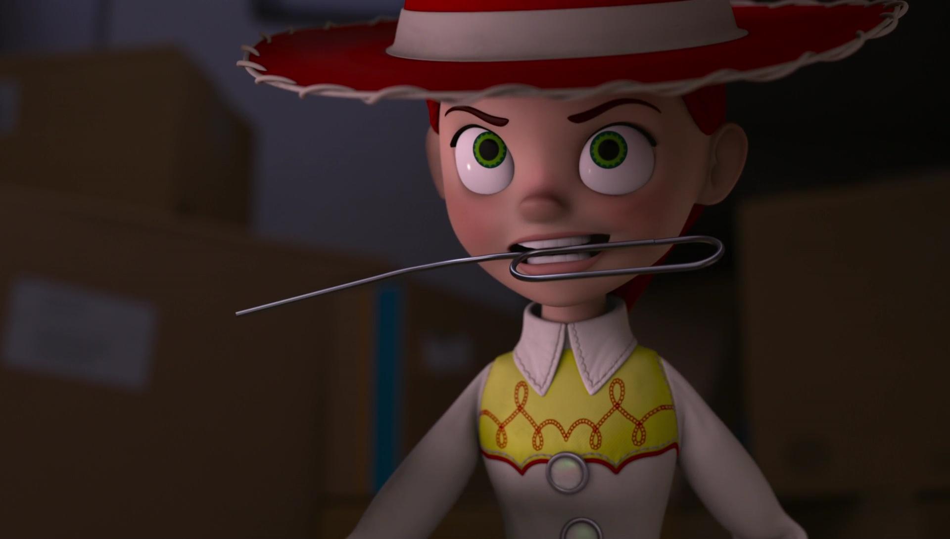 Madame prend monsieur avec le gode ceinture 3