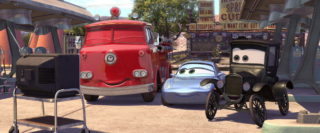 lizzie personnage character pixar disney cars