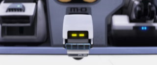 m-o pixar disney personnage character wall-e