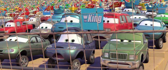 matthew tout bleu mcCrew personnage character cars disney pixar