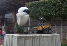 Attraction Statue WALL-E EVE