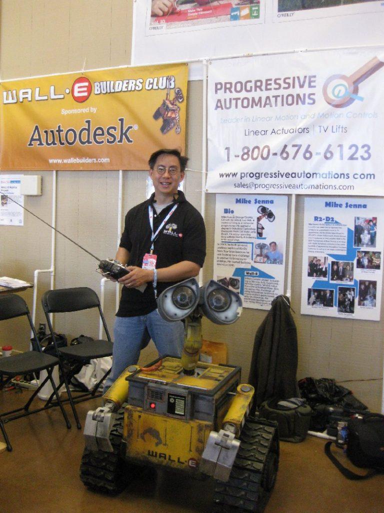 Le robot WALL-E de Mike Senna.