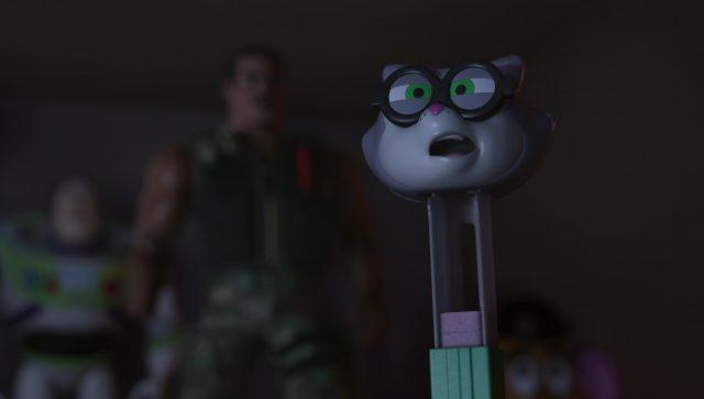 peziscope pez cat personnage character toy story angoisse motel terror disney pixar