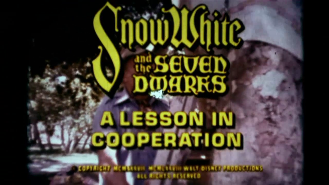 Disney Illustration-Snow-White-A-Lesson-In-Coopération-03