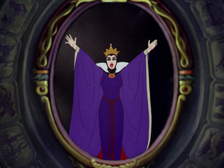 La reine sorci re personnage dans blanche neige et les for Miroir miroir blanche neige