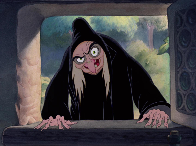 """La reine grimhilde sorcière personnage dans """"blanche"""