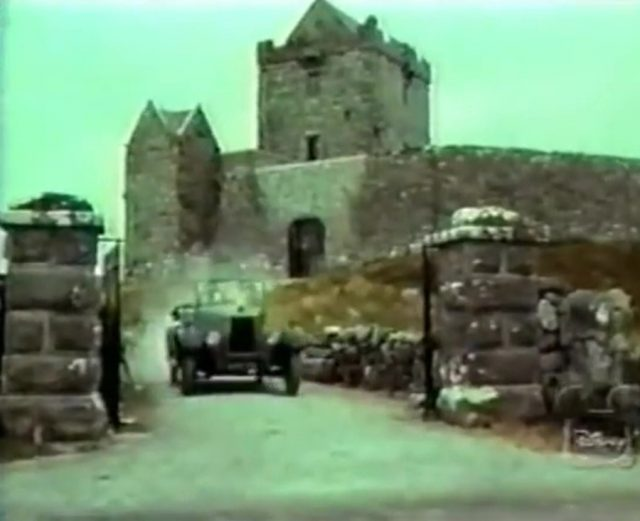 Image guns heather secret boyne castle disney