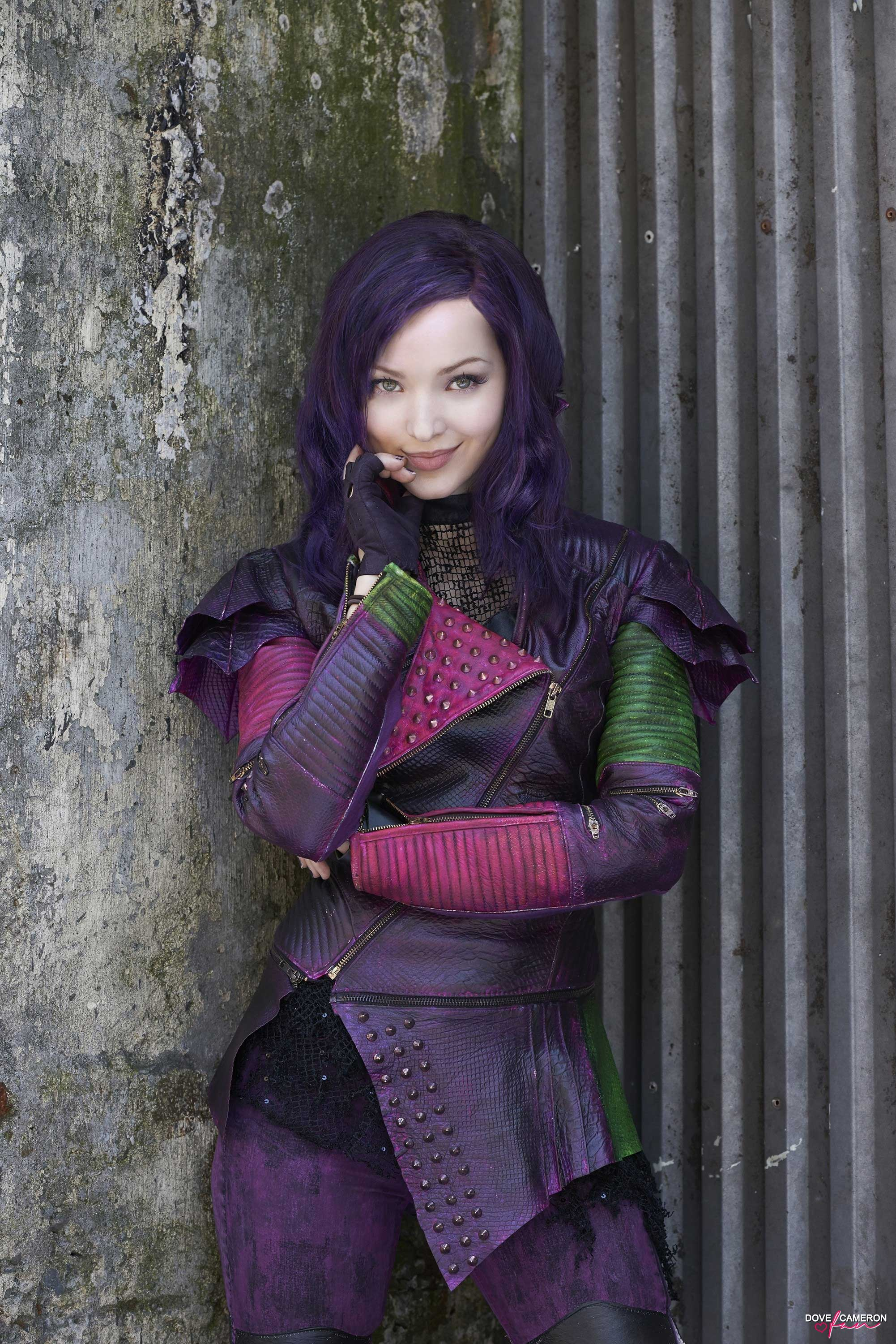 mal descendants disney channel personnage character dove cameron