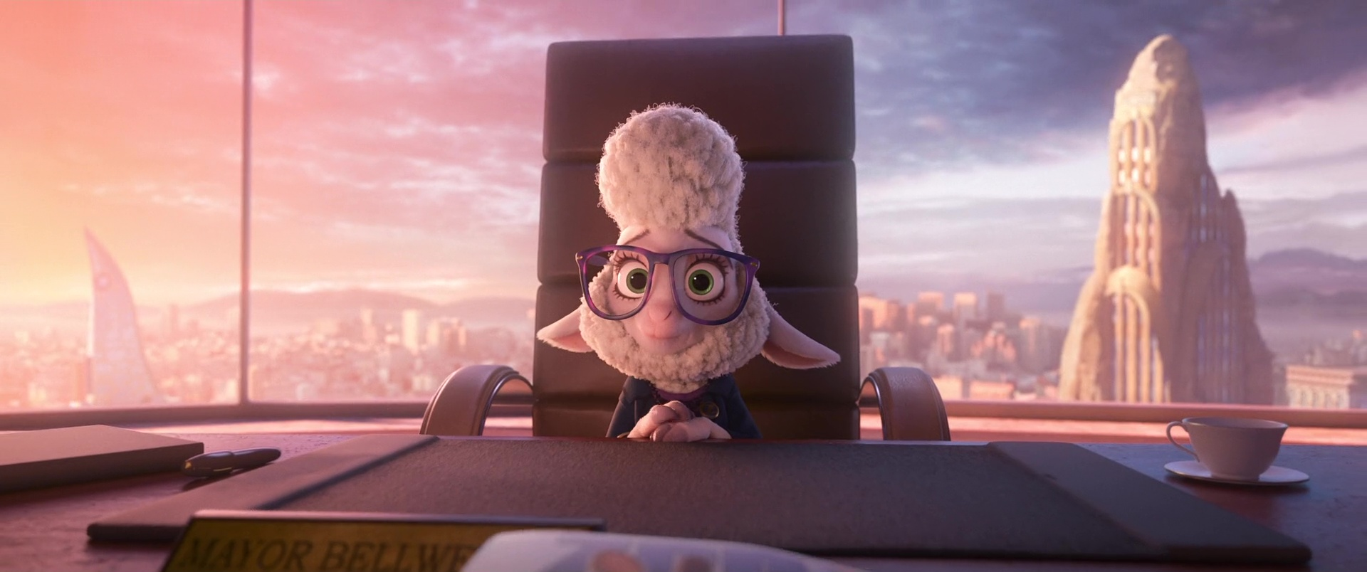 maire mayor bellwether disney personnage character zootopie zootopia