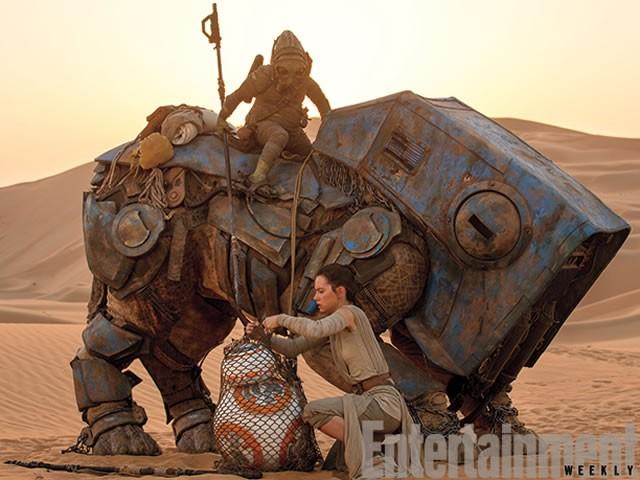 Rey personnage dans star wars episode vii le r veil - Personnage star wars 7 ...