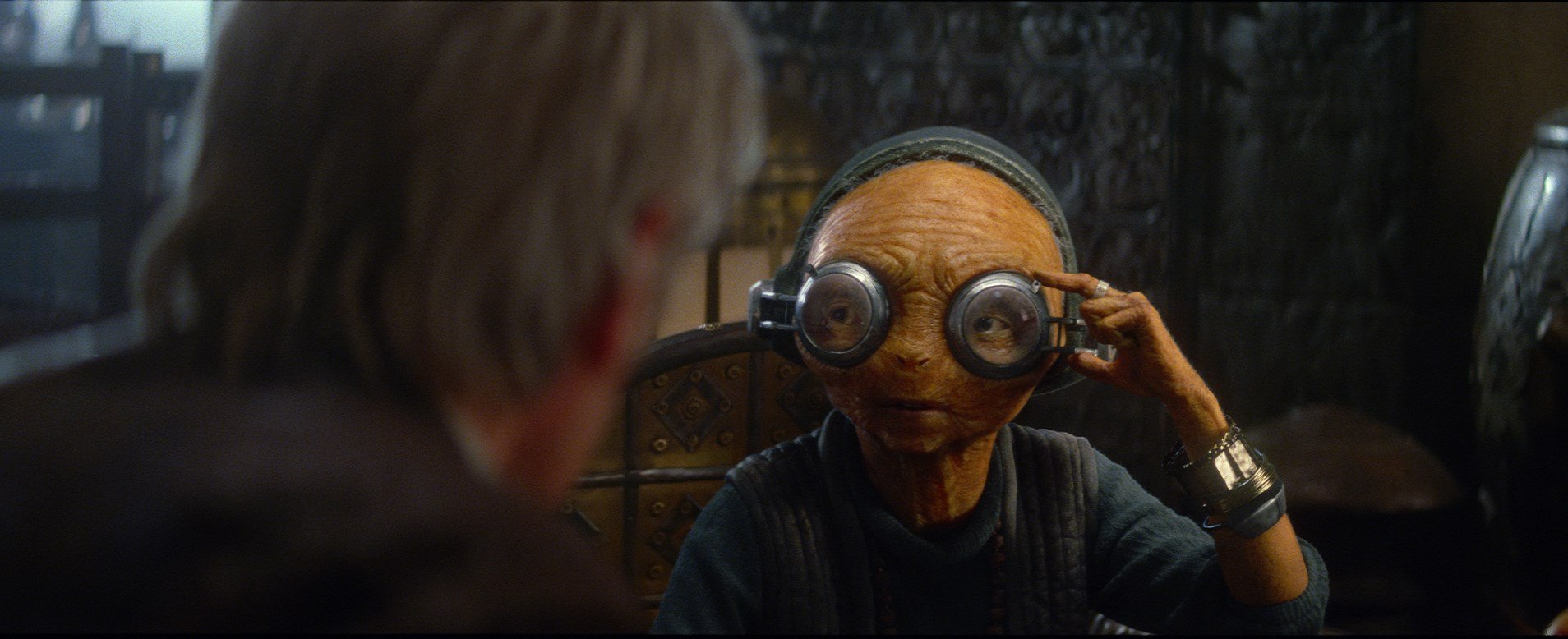Maz kanata personnage dans star wars episode vii le r veil de la force disney planet - Personnage star wars 7 ...