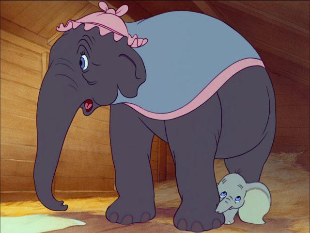 madame mrs jumbo elephant disney personnage character dumbo