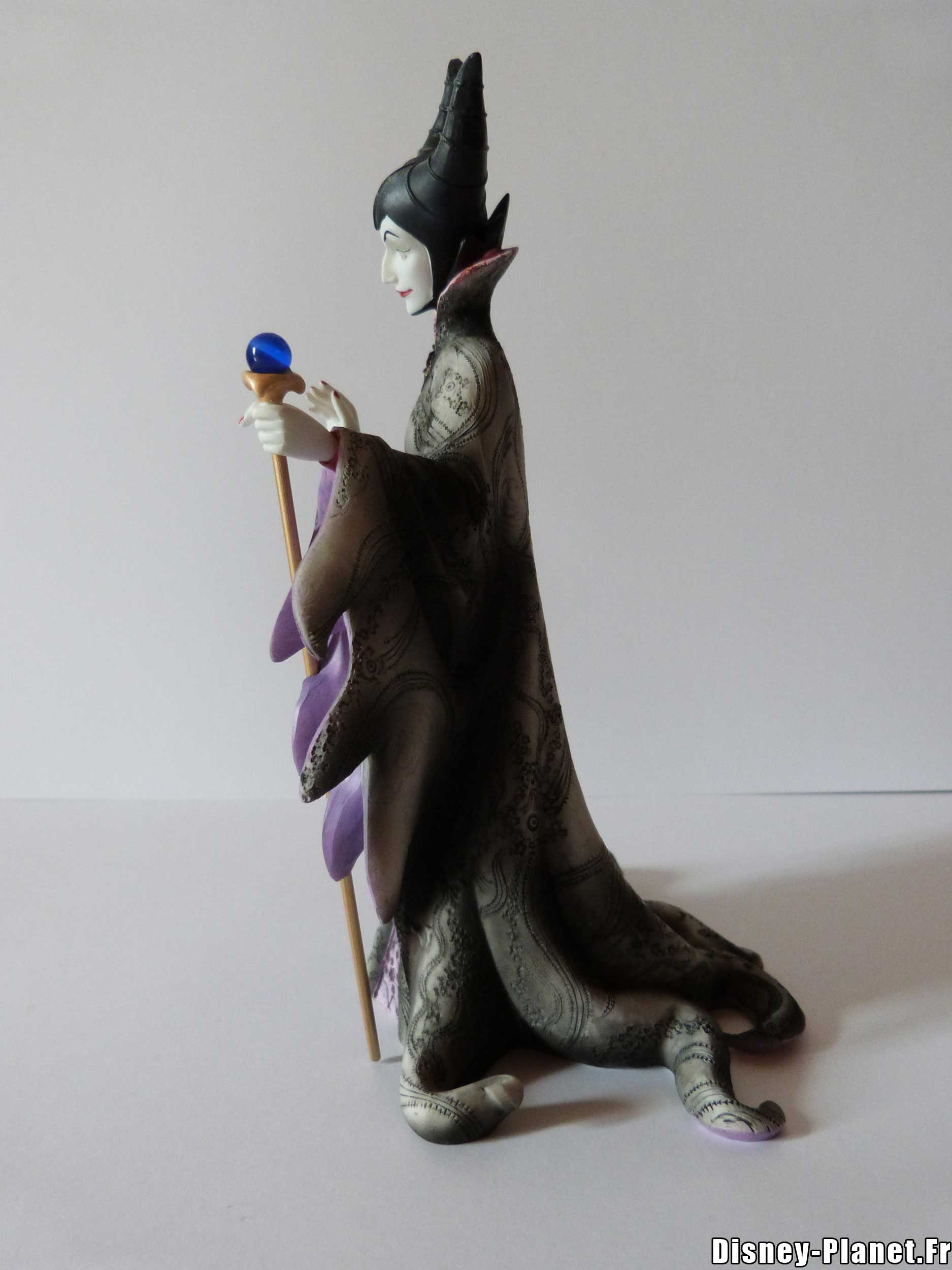disney showcase enesco maleficent couture de force figurine malefique