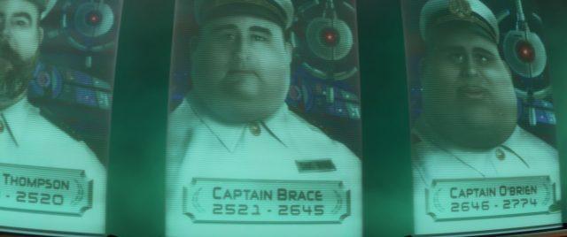 capitaine captain brace personnage character wall-e disney pixar