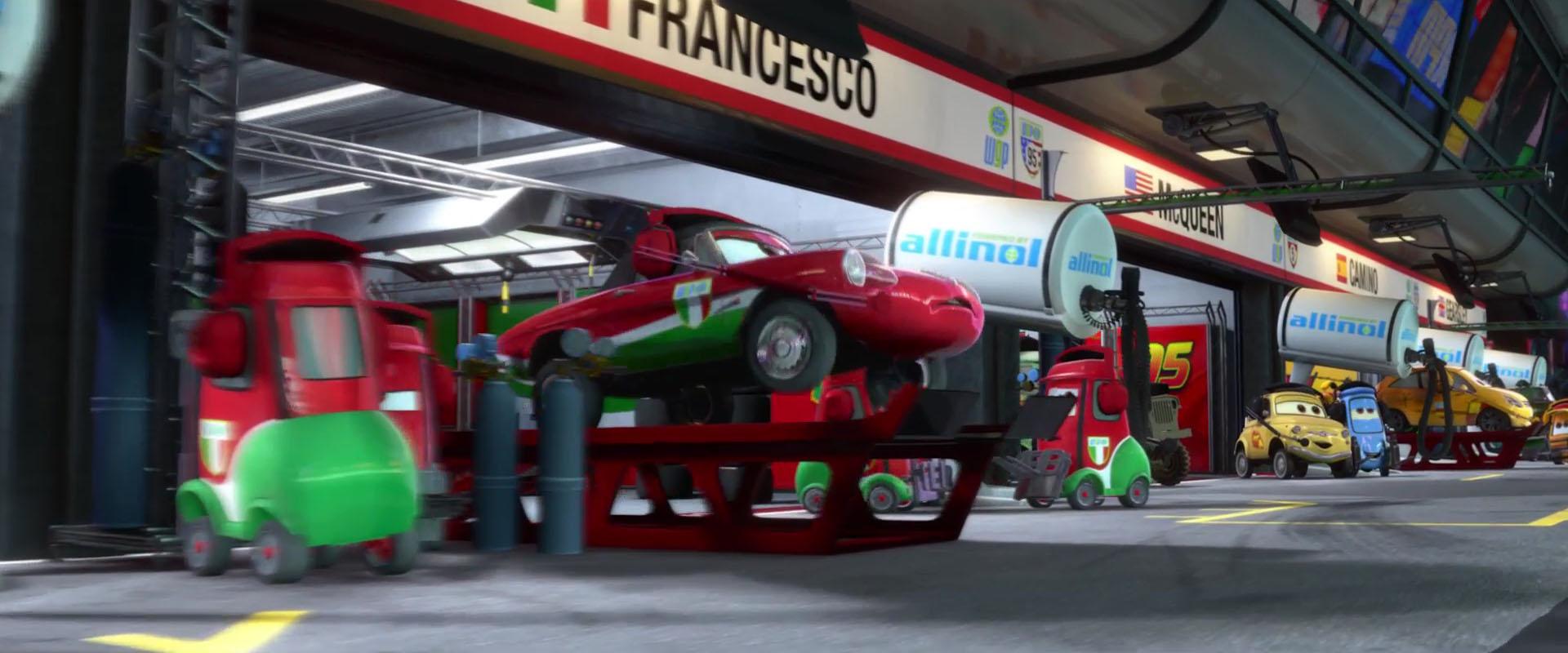 giuseppe motorosi personnage character pixar disney cars 2