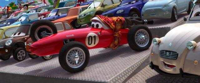 mama-bernoulli personnage character cars disney pixar