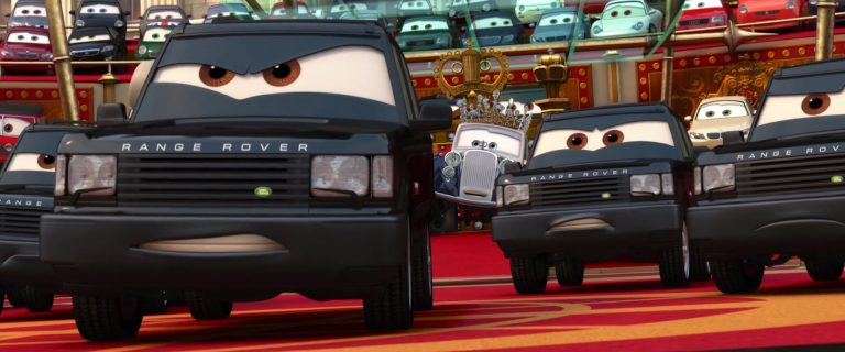 "Mike Lorengine, personnage dans ""Cars 2""."