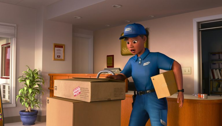 """La postière, personnage dans """"Toy Story : Angoisse au motel""""."""