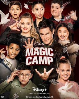 affiche poster magic camp disney plus