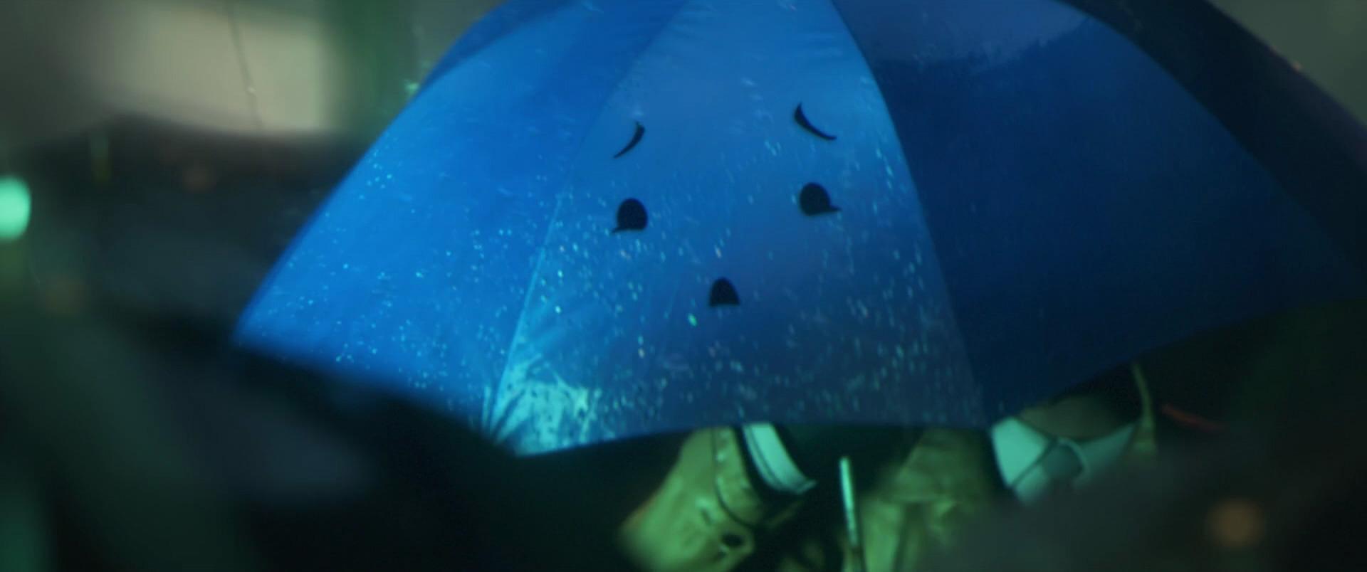 blue-personnage-le-parapluie-bleu-02