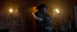 edward teach barbe noire personnage character pirate caraibes fontaine jouvence stranger side disney