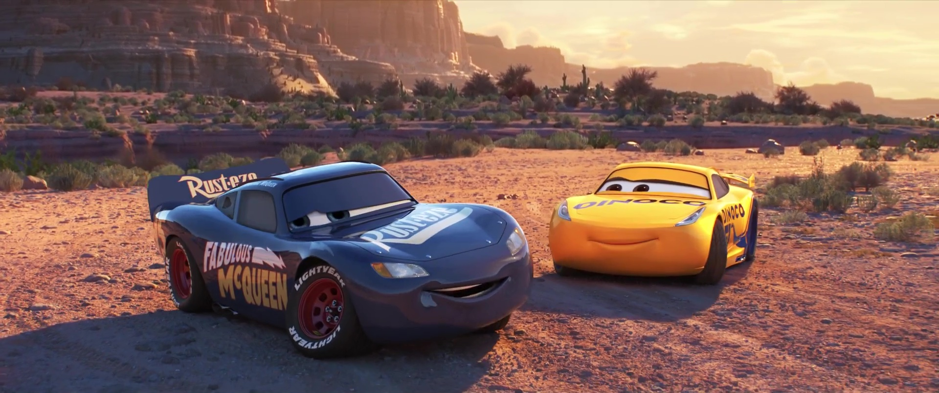 Les r pliques dans cars 3 pixar planet fr - Flash mcqueen et mack ...