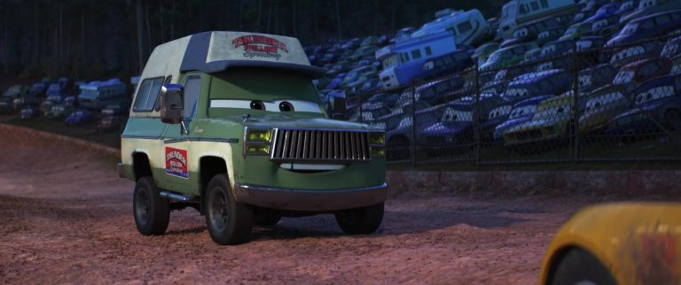 "Roscoe, personnage dans ""Cars 3""."