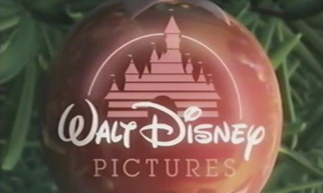 mickey deux fois noel twice christmas logo walt disney pictures