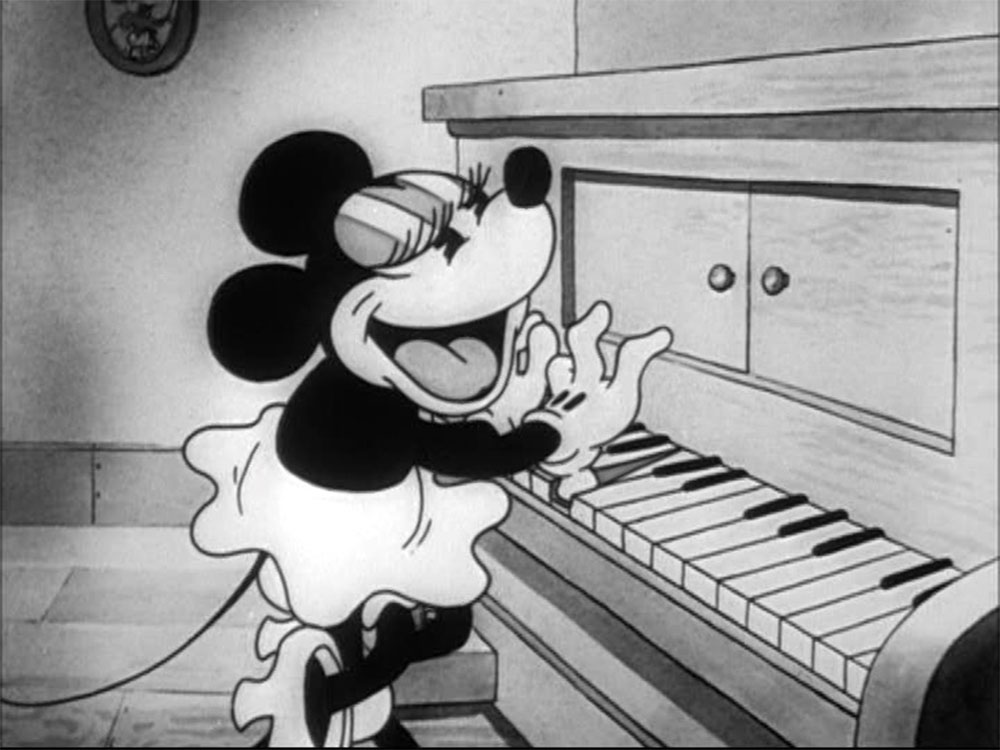Image mickey sortie steps out disney