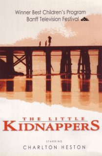 Affiche poster secret deux orphelins little kidnappers disney channel