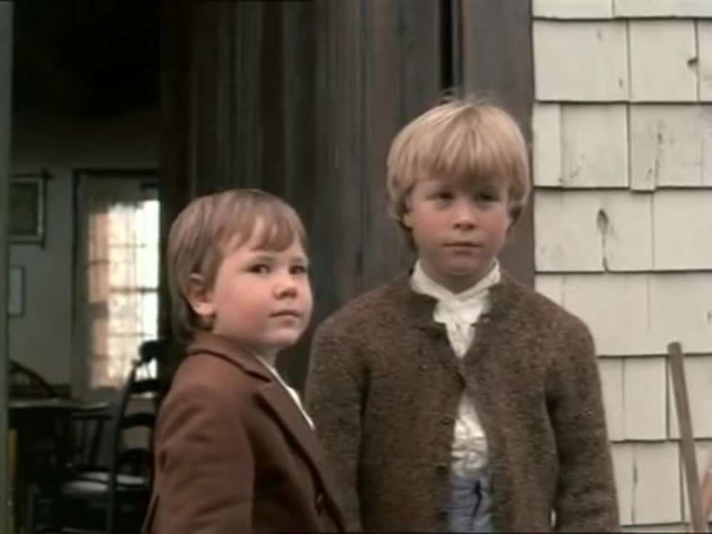 image secret deux orphelins little kidnappers disney channel