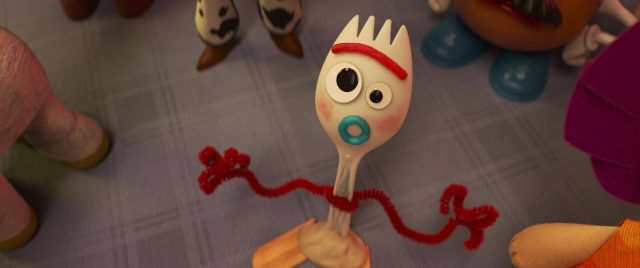 personnage fourchette forky character toy story 4 disney pixar