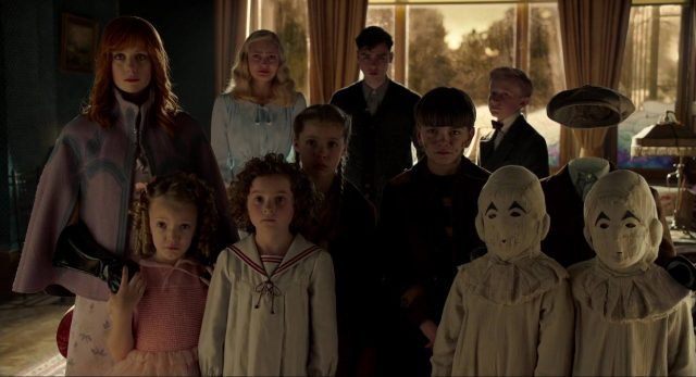 image miss peregrine enfants particuliers home peculiar children disney fox