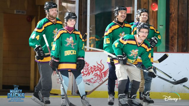 image petits champions mighty ducks game changers disney