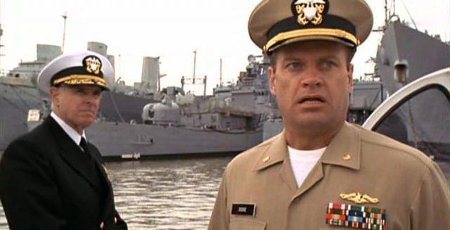 image commandant sauver navy touche periscope down disney fox